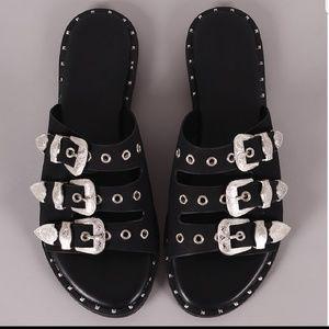 Shoes - 🆕//The Sammie// Black buckled Slides